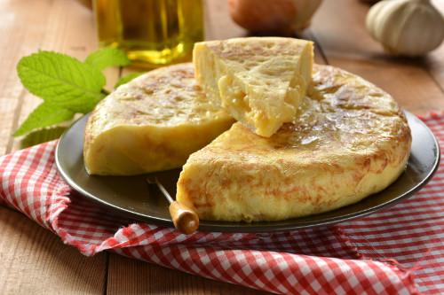 Tortilla patatas con cebolla
